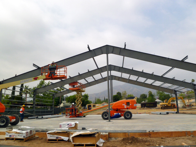 Erecting-steel-building.JPG